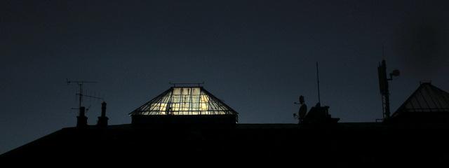 D'où vient la lumière?Du couchant?  De l'intérieur?